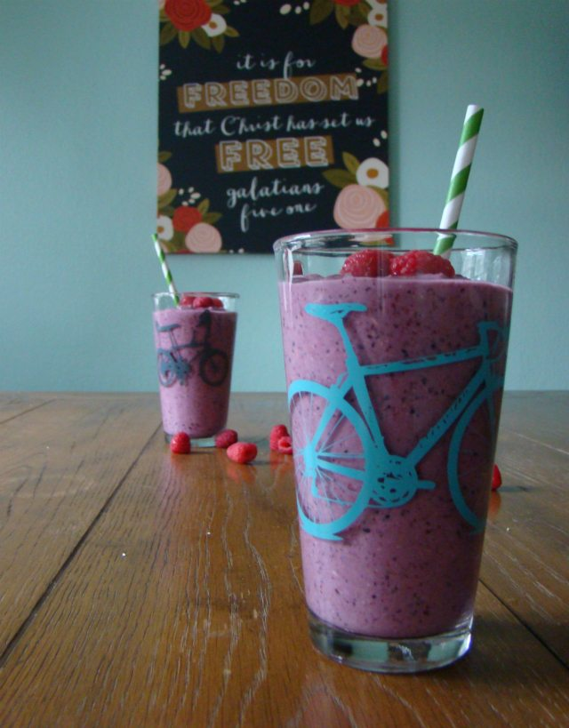 Oat & Almond Breakfast Smoothie