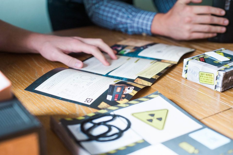 Escape Room the Game - Playing Board Games for community - @Spin Master #EscapeRoomTheGame #CG