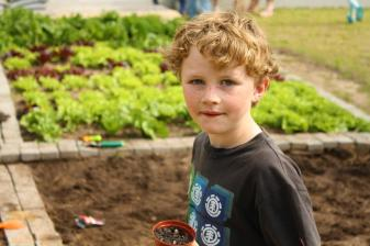 Grade-1-Gardening-Outing (43)