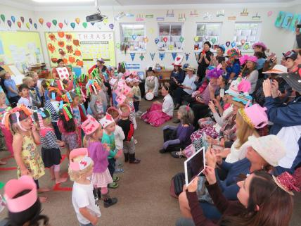 Mad Hatters Tea Party (3)