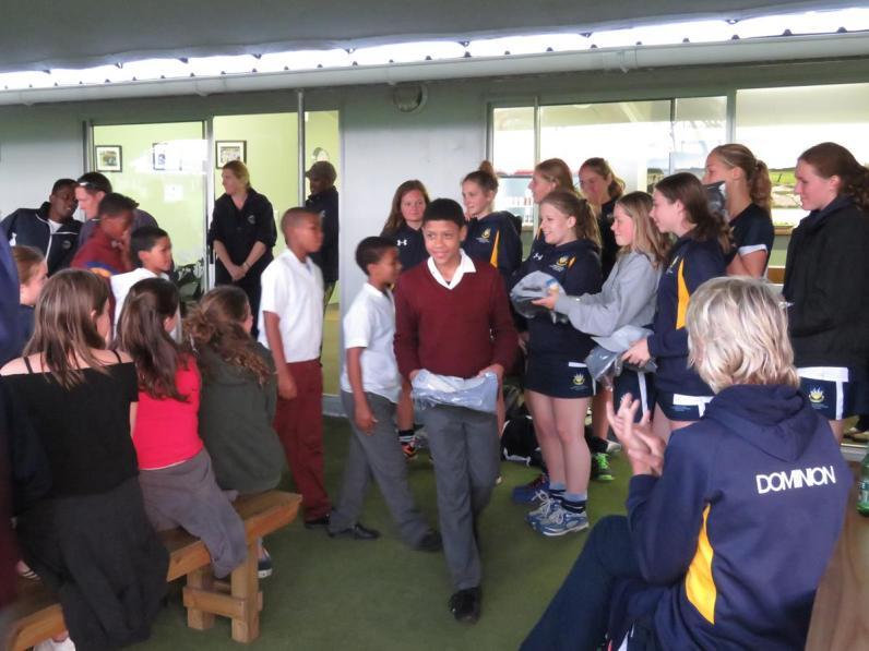 Bryanston School UK student gifting Knysna Sports School aspiring cricketers (2) (Copy)