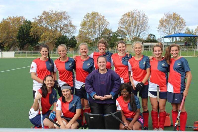Old-Oaks-ladies-team