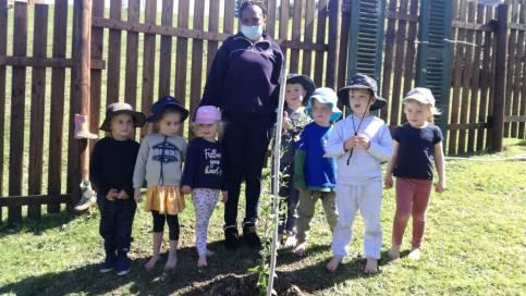 Arbor Week Little Oaks 6