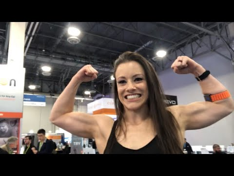 ‪Leah Christiana, Former Oakland Raiders Raiderette, Valencell Rep at CES 2019 Las Vegas