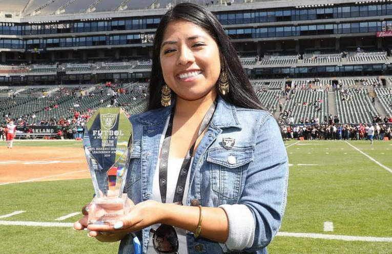 Linda Sanchez Gets Oakland Raiders 2019 NFL Hispanic Heritage Leadership Award