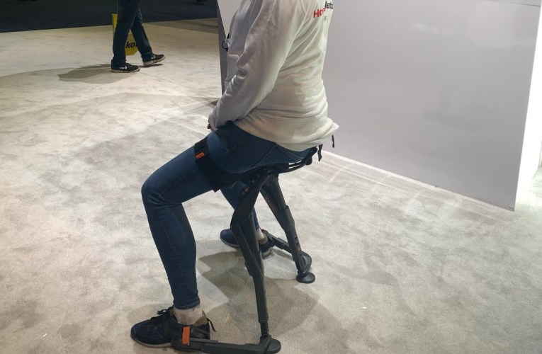 The Noonie Chairless Chair Demo At CES Las Vegas 2020