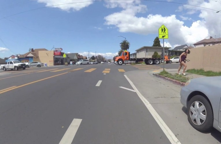 SF Bay Area Bicycle's Crazy Oakland Bike Ride Through Town Video: Stop Signs, Anyone?