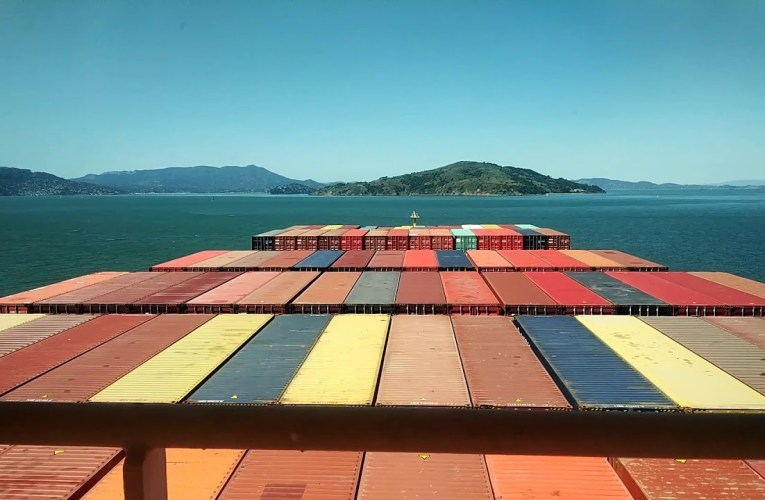 Video Of Giant Container Vessel Leaving Port Of Oakland From On-Board Camera