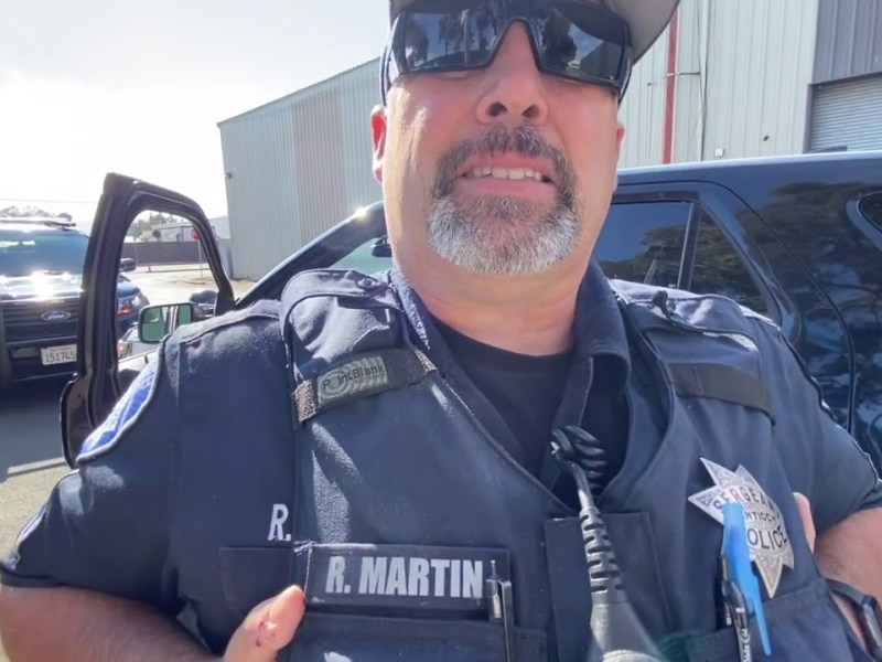 THIS OFFICER NEEDS TO BE FIRED!! ANTIOCH POLICE FIRST AMENDMENT FAIL