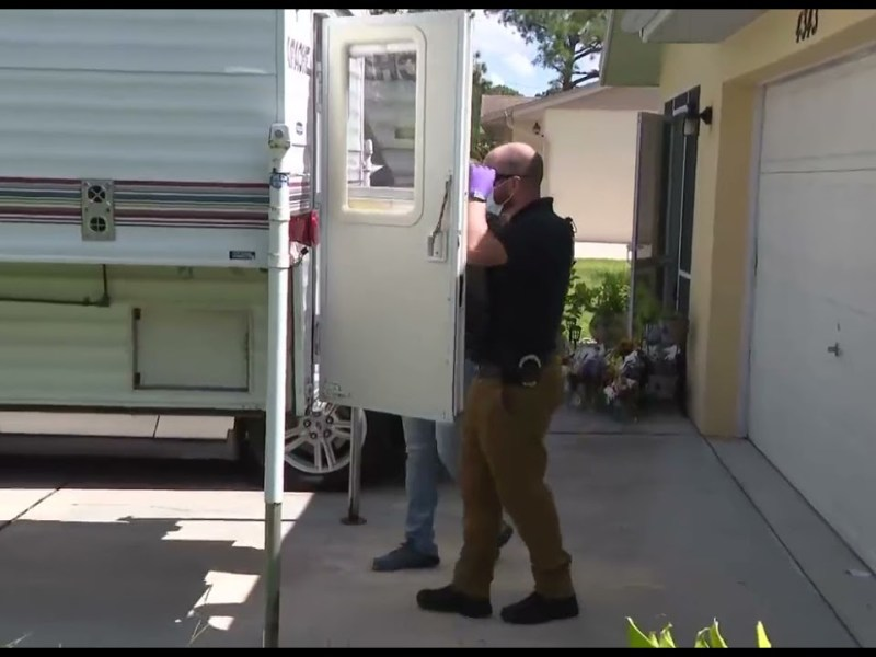 BREAKING FEDERAL AGENTS removing Evidence from the North Port Brian Laundrie Home and Family Camper.
