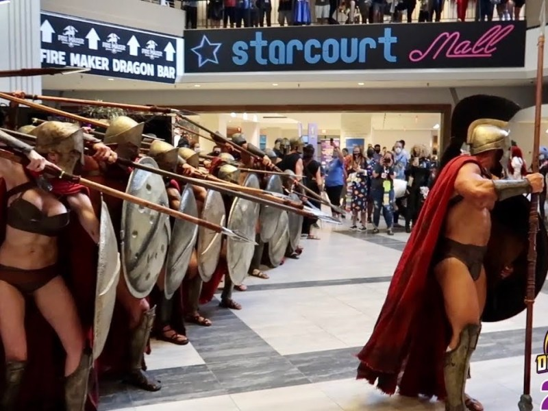 DragonCon 2021 Cosplay Overload – William Shatner Panel – Epic Star Wars Patio Party – 300 Spartans