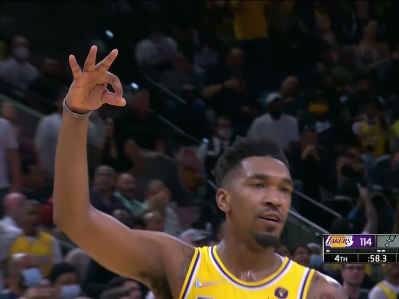 Malik Monk Hits the DEEP CLUTCH THREE to Put Lakers Up By 2 vs Spurs