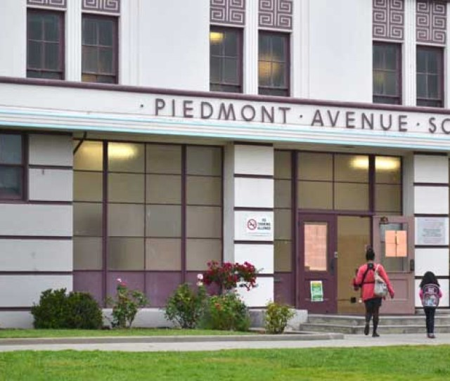 Parents Drop Off Their Kids To Piedmont Elementary In Oakland During The First Week Of School