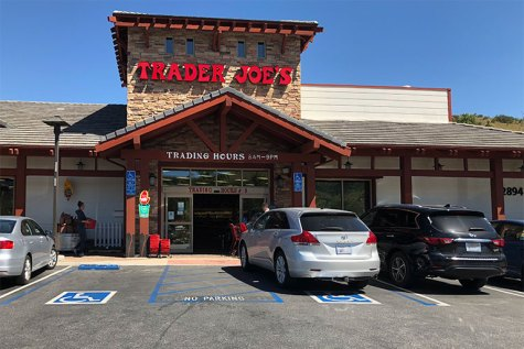 Local Agoura Hills Trader Joes forced to close down due to employee contracting coronavirus.