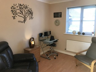 Oak tree Hypnotherapy Consulting Room
