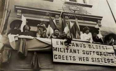 Elizabeth-Wolstenholme-Elmy-watches-the-Womens-Coronation-Procession-1911.