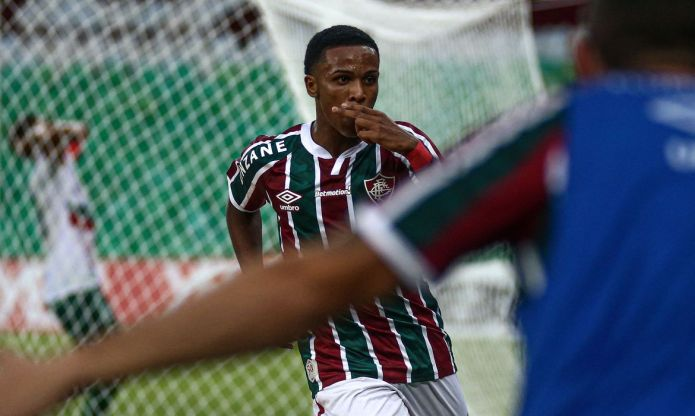 Fluminense derrota Portuguesa e confirma Fla x Flu na final do C