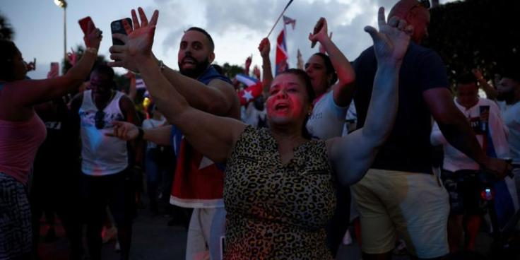 manifestantes-tambem-foram-as-ruas-no-bairro-de-little-havana-em-miami