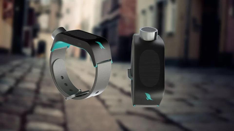 Jovem cria pulseira inteligente que dá autonomia a cegos