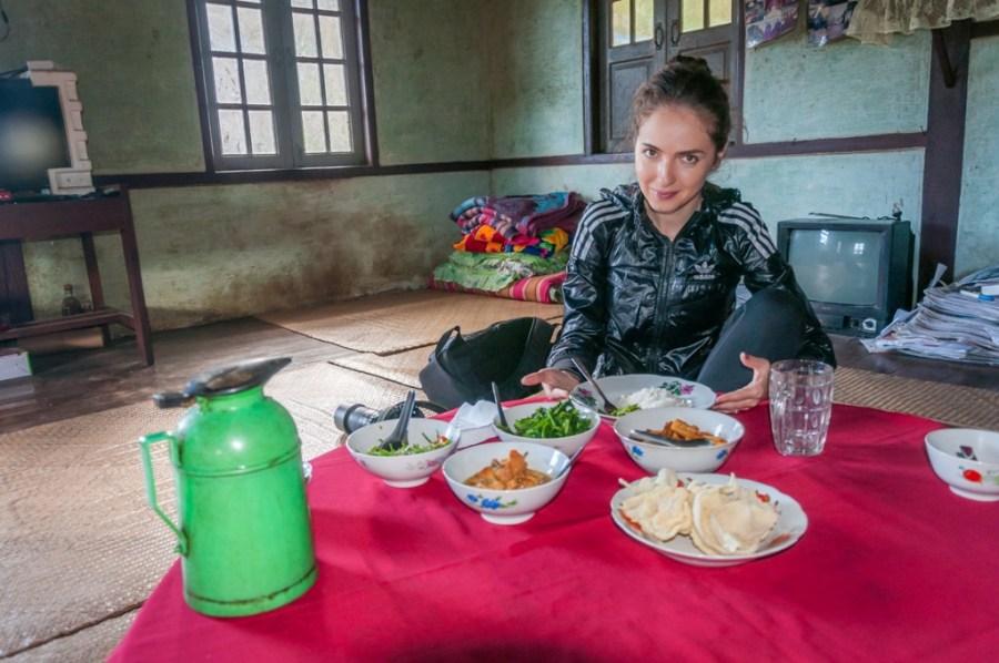 Myanmar, pranz in casa birmaneza din Pindaya, Shan State