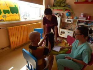 Prima peruca donata unui copil de catre asociatia DPC (3)