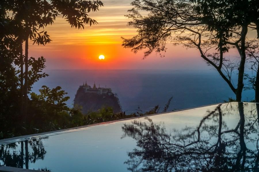 Apus vazut din gradinile hotelului Popa Mountain Resort_Myanmar_oanabotezatu.ro