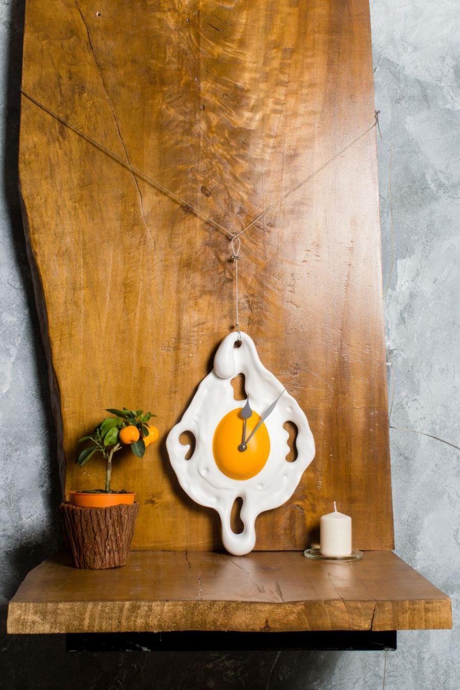 Cadou de Craciun_un ceas de perete omleta de la Antartidee_ilux.ro
