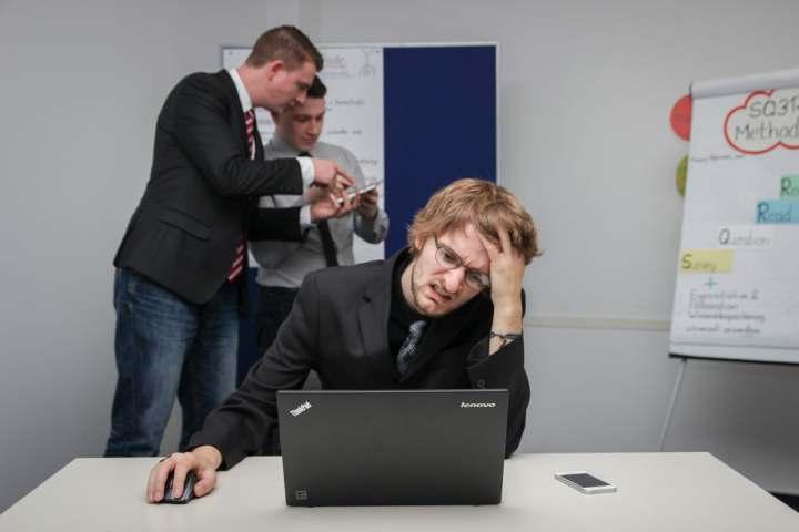 Corporatiștii suferă de burnout, epuizare psihica
