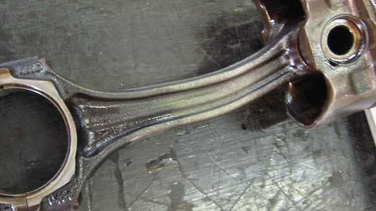 Top 4 Symptoms of Failure Connecting Rod in Your Vehicle