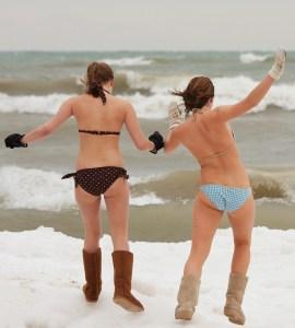Two_brave_girls_-_Polar_Bear_Plunge_2009