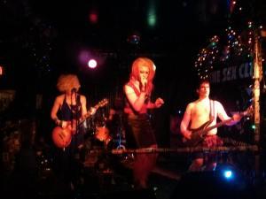 Hot Kiss drag band