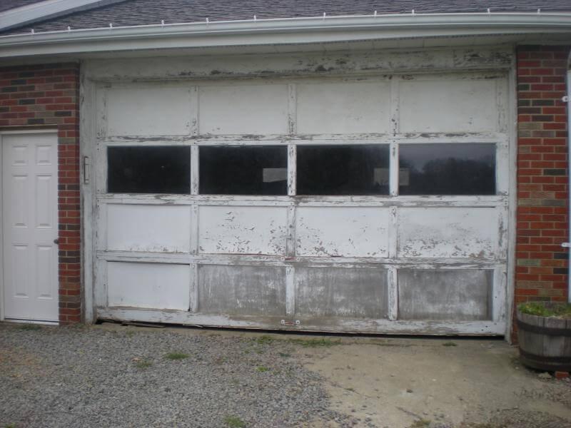 Charmant Old Garage Door