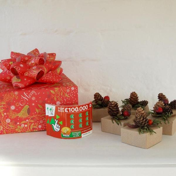 Christmas-Crackers-Gift-Box-Lottery-Ticket-Scratch-Card-Handmade-Origami-1-Oast-House-Gifts