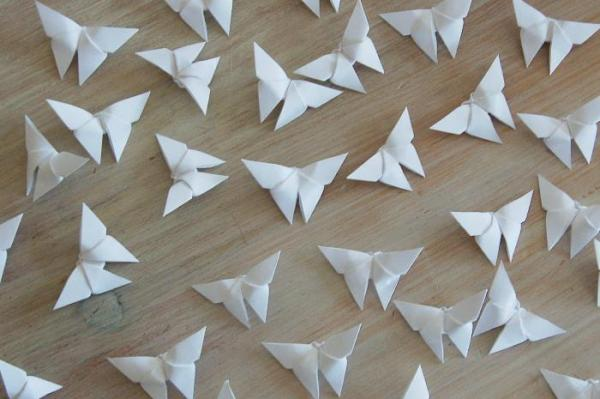 Origami-Butterfly-Wedding-Party-Table-Scatters-Confetti-Handmade-White-Oast-House-Gifts