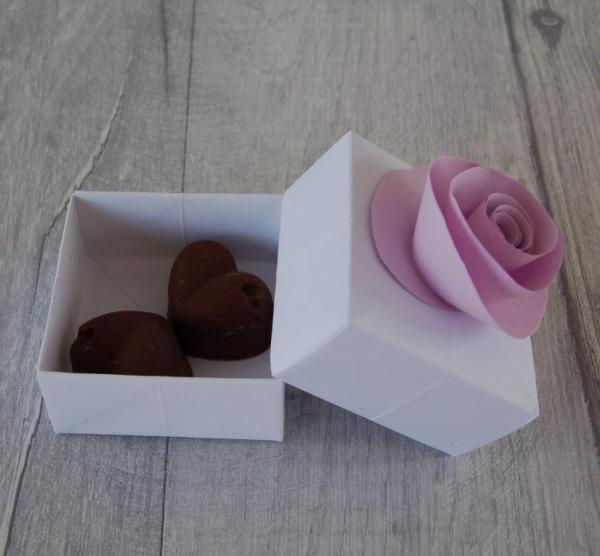 Wedding-Favour-Boxes-Handmade-Origami-Paper-Rose-Two-Chocolate-Fudge-Oast-House-Gifts