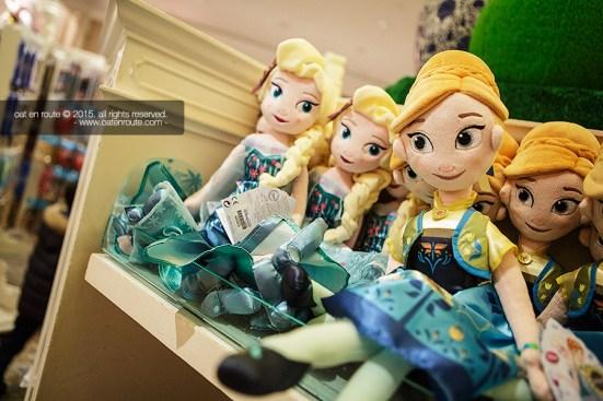 """Shopping at """"Kingdom Gifts"""""""