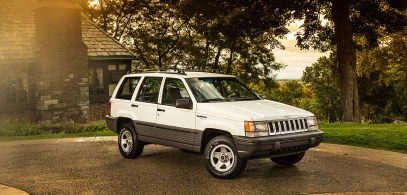 160509_Jeep_160509_Jeep_Jeep_historical_vehicles_03_slider