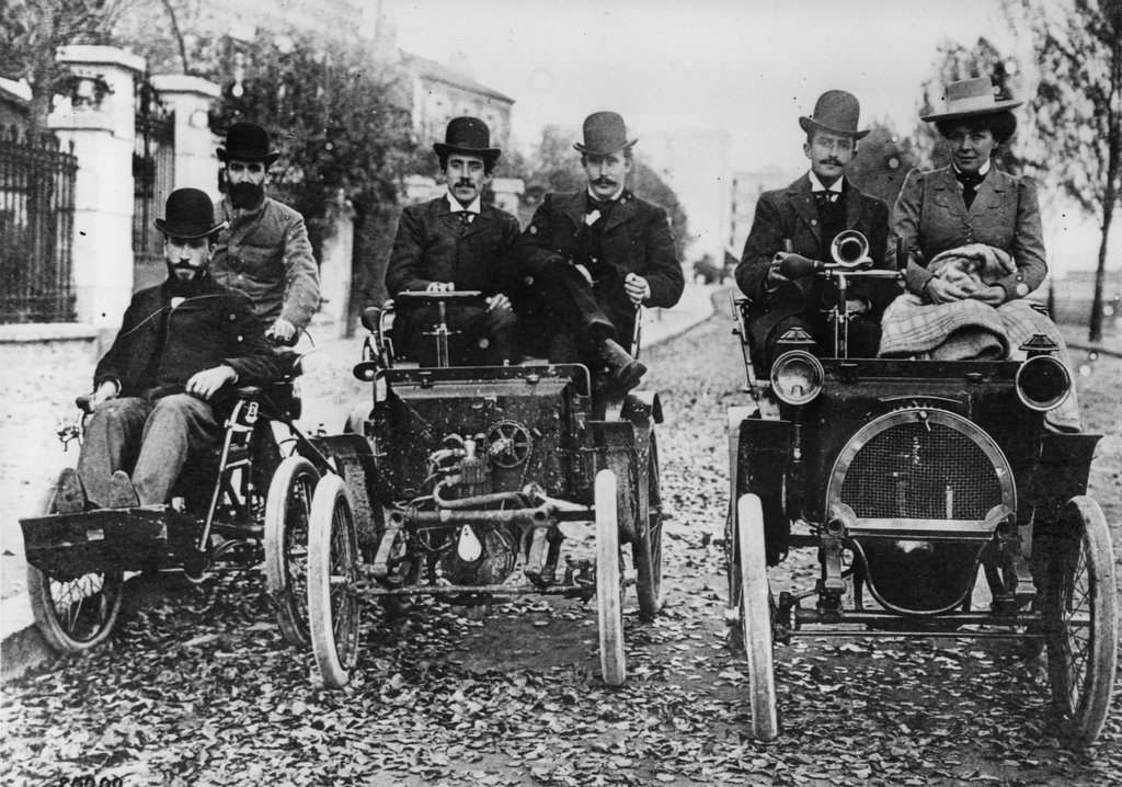 renault 3 4cv_renault1cv_dion quadricycle_louis renault, marcel renault and paul huge_boulogne billancourt_1899