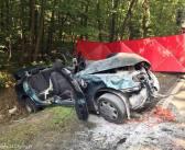 Bieruń -śmiertelny wypadek na DW 931. Daewoo uderzyło w drzewo.