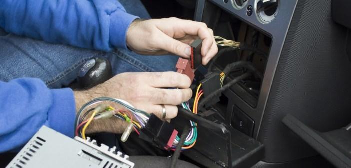 Problemy z elektryką w samochodach – najczęściej zgłaszane usterki – co warto zweryfikować przed wiosennymi wyprawami?