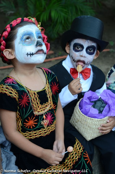 The children's comparsa, Muertos