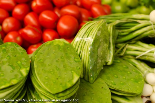 Red, white and green as a food display.