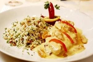 La Fiducia - Filet de vermelho ao molho de damasco com arroz de pinoli
