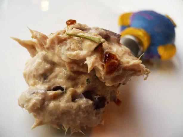 Pasta de atum, azeitona e tomate seco