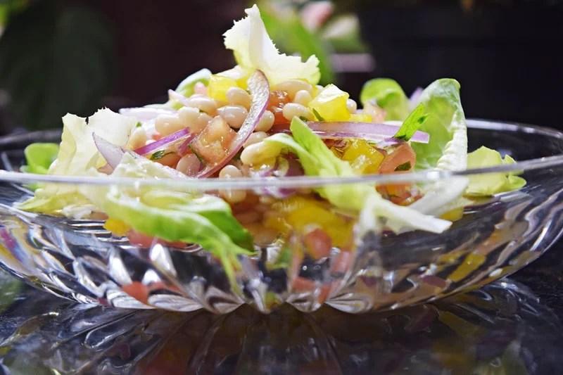 Salada de feijão manteiguinha