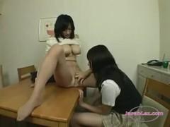 北原夏美が娘にレズ攻めされちゃうおばさん動画無料