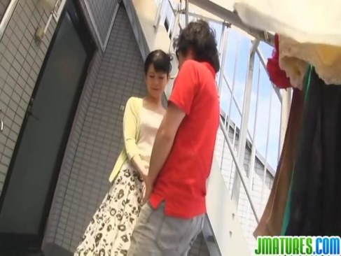 甥の肉棒を笑顔で咥え大量に口内射精させる五十路熟女妻の日活 無料yu-tyubu