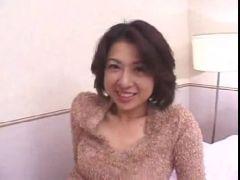 昭和の50代の熟女主婦が不倫相手との個人撮影でおまんこしてる長編のおばさんの動画無料