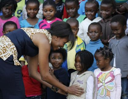 117910-michelle-obama-in-africa-4-of-9
