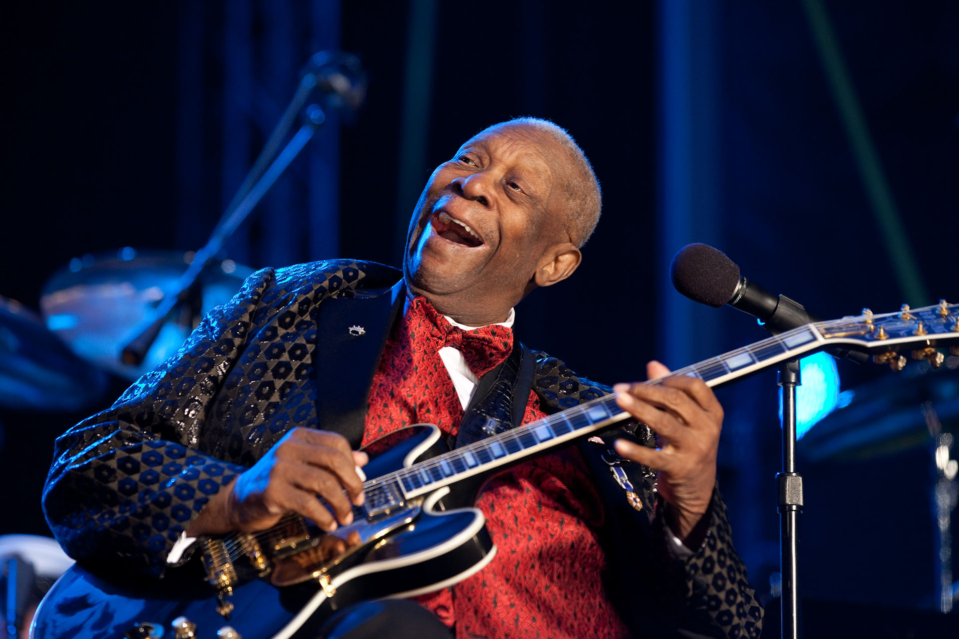 On B B King The Blues Has Lost Its King And America